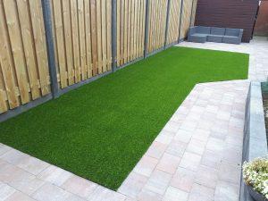 bf6cfd1f43dfb7 Weet je wat het probleem is met echt gras in je tuin? Het is echt een  enorme uitdaging om het goed te houden, en zelfs als je heel heel heel erg  je ...