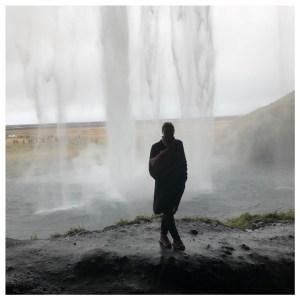 Seljalandsfoss achter de waterval