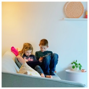 Kinderen achter een beeldscherm vandaan krijgen; zo lukt dat
