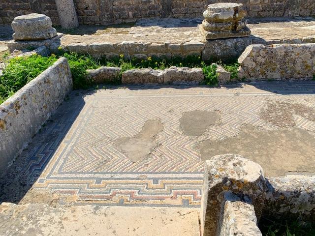 badhuis met mozaiek dougga