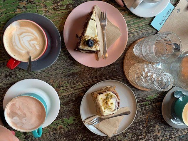 cafe letka koffie en taart