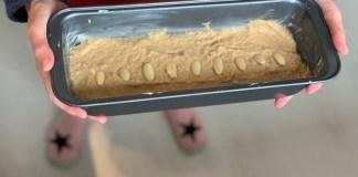 bananenbrood koolhydraatarm in bakblik