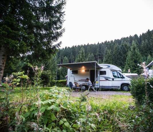 Het nieuwe reizen, met een gehuurde camper op pad op de camping
