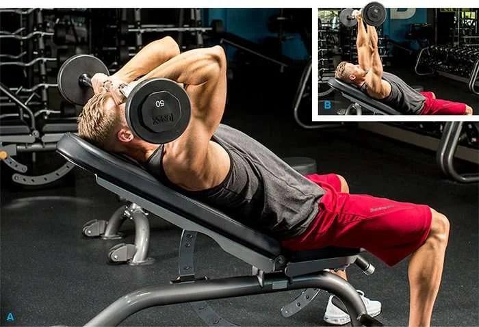 tríceps testa usando o banco inclinado em 45 graus e com barra