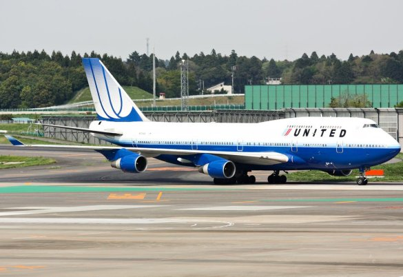 Boeing 747 United