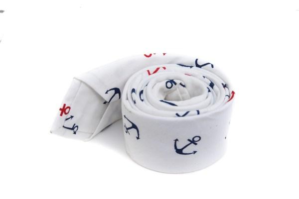 Witte stropdas met anker opdruk.