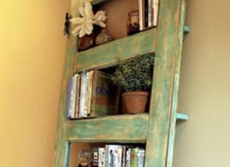 DIY: Μετατρέψτε μια παλιά πόρτα… σε vintage βιβλιοθήκη!