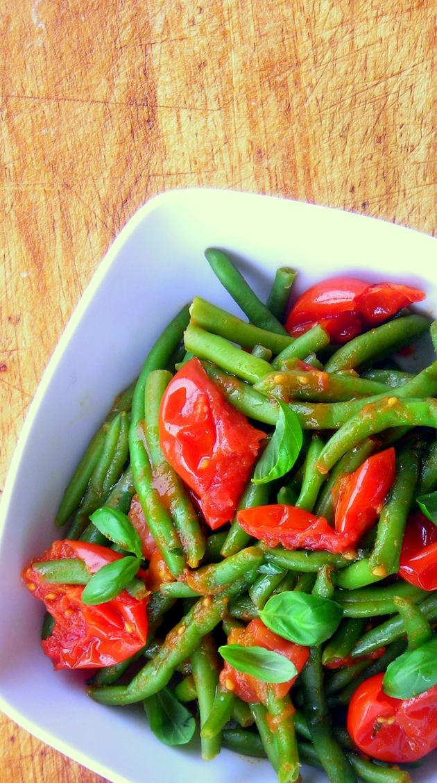 PRESSURE COOKER Green Beans with tomatoes