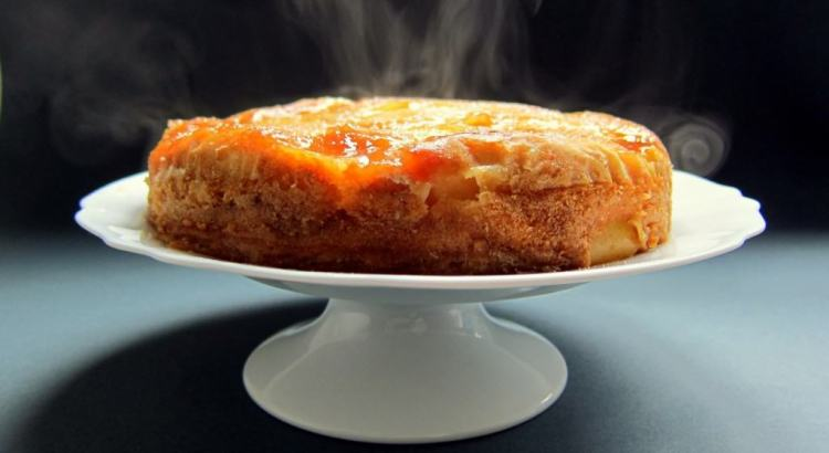 Vegetarian Cake Recipes In Pressure Cooker: DELISH! Pressure Cooked Upside-down Apple And Ricotta Cake