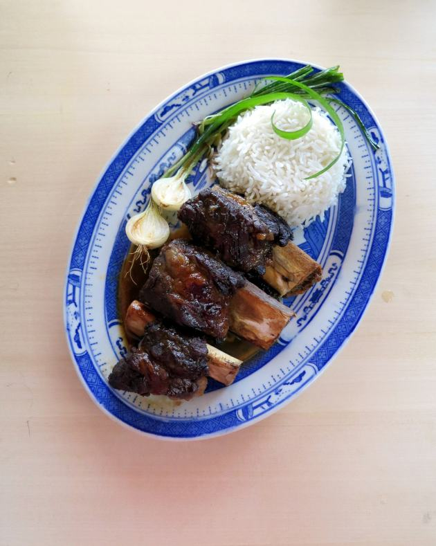 Soy Sauce Braised Beef Ribs - pressure cooker recipe