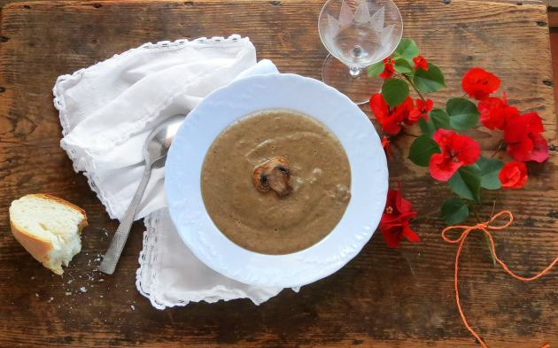 cream_of_mushroom_soup_top_16_9