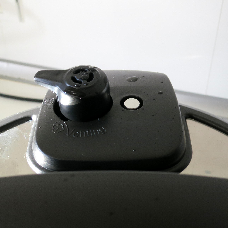 Mechanical locking pin/pressure signal