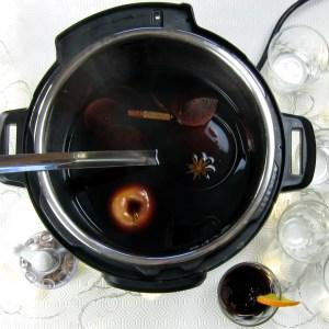 1-minute Pressure Cooker Mulled Wine