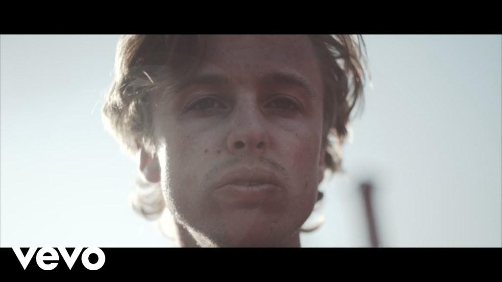 Isak Danielson – Religion (Video)
