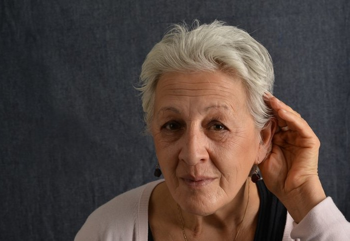The Connection Between Aging and Hearing Impairment – and How to Help