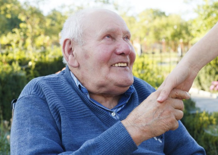 Top Tips For Selecting a Home Care Provider for a Senior Loved One