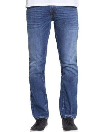 Hunter Straight Stretch Jeans In Mid Wash - Jeans