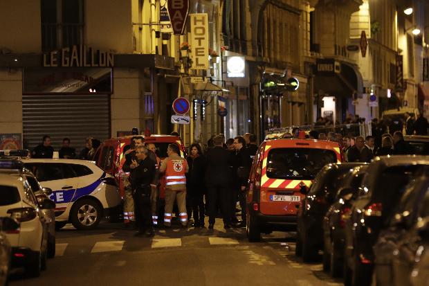 Terrortámadás történt éjjel Párizsban: lecsapott az Iszlám Állam