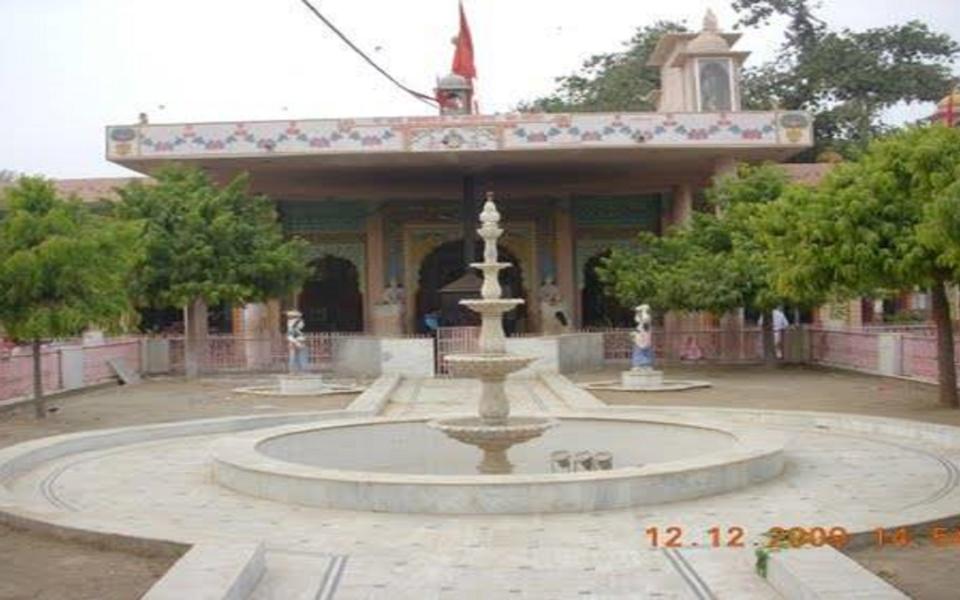 Hirnoda-bhandekebalaji-dharmik palace (11)