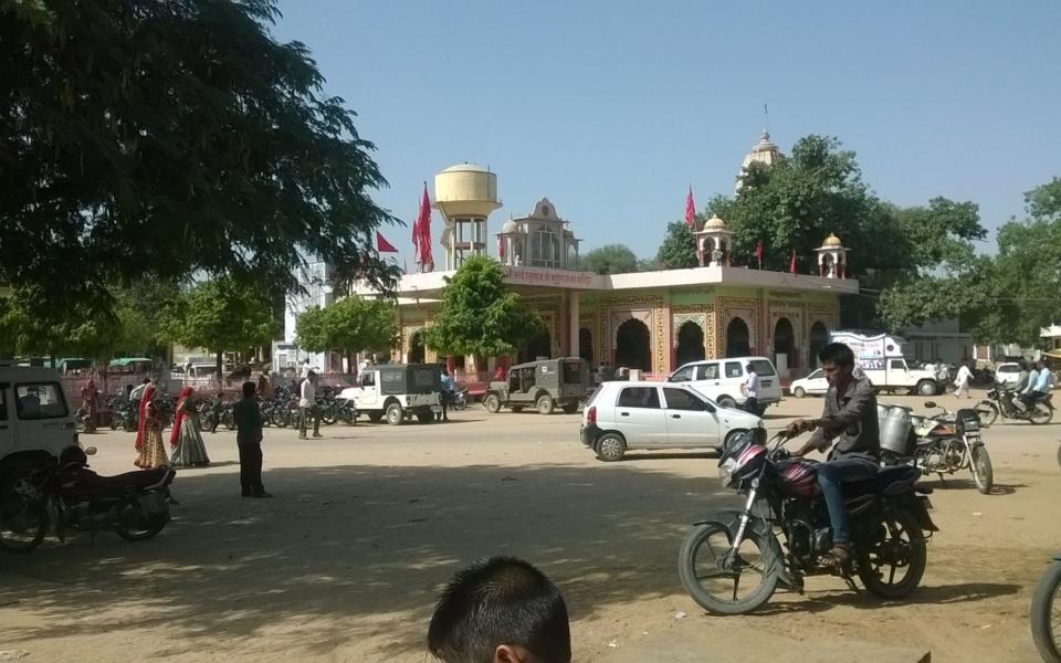 Hirnoda-bhandekebalaji-dharmik palace (4)