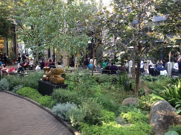 三菱一号館美術館の庭 丸の内