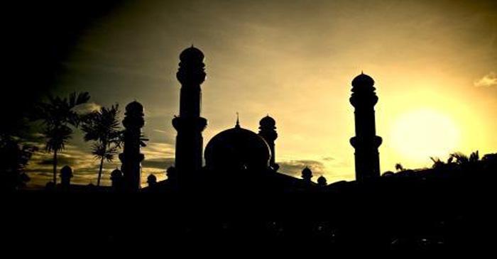 Kedudukan Sholat dalam Islam