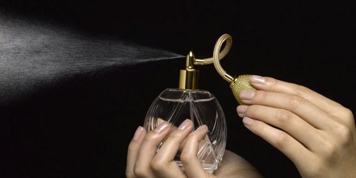 Akhwat Memakai Parfum?