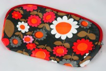 vintage flower patterned make-up bag
