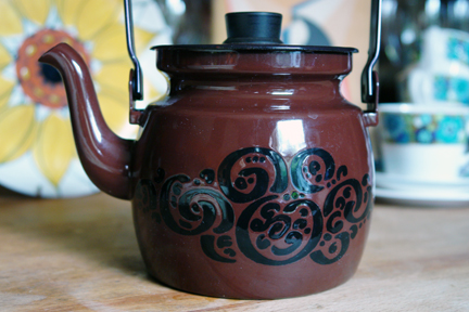 vintage chocolate brown enamel Finel kettle picked up at Todmorden fleamarket