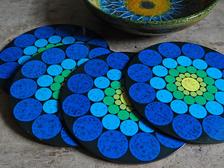 set of blue spotted Worcester Ware place mats