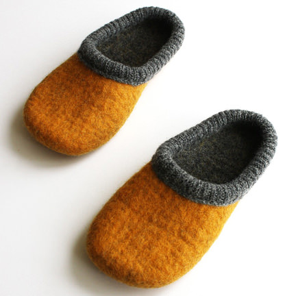 Ash curry Unisex felted wool slippers handmade to order. For sale on Etsy by Onstail