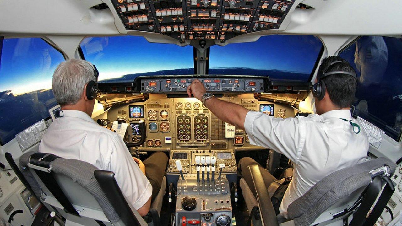 は 彼 私 パイロット の