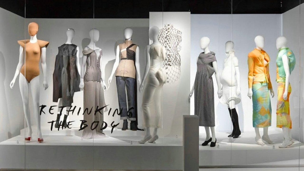 Game Changers Reinventing The 20th Century Silhouette Fashion Museum Antwerp Hisour Hi So You Are