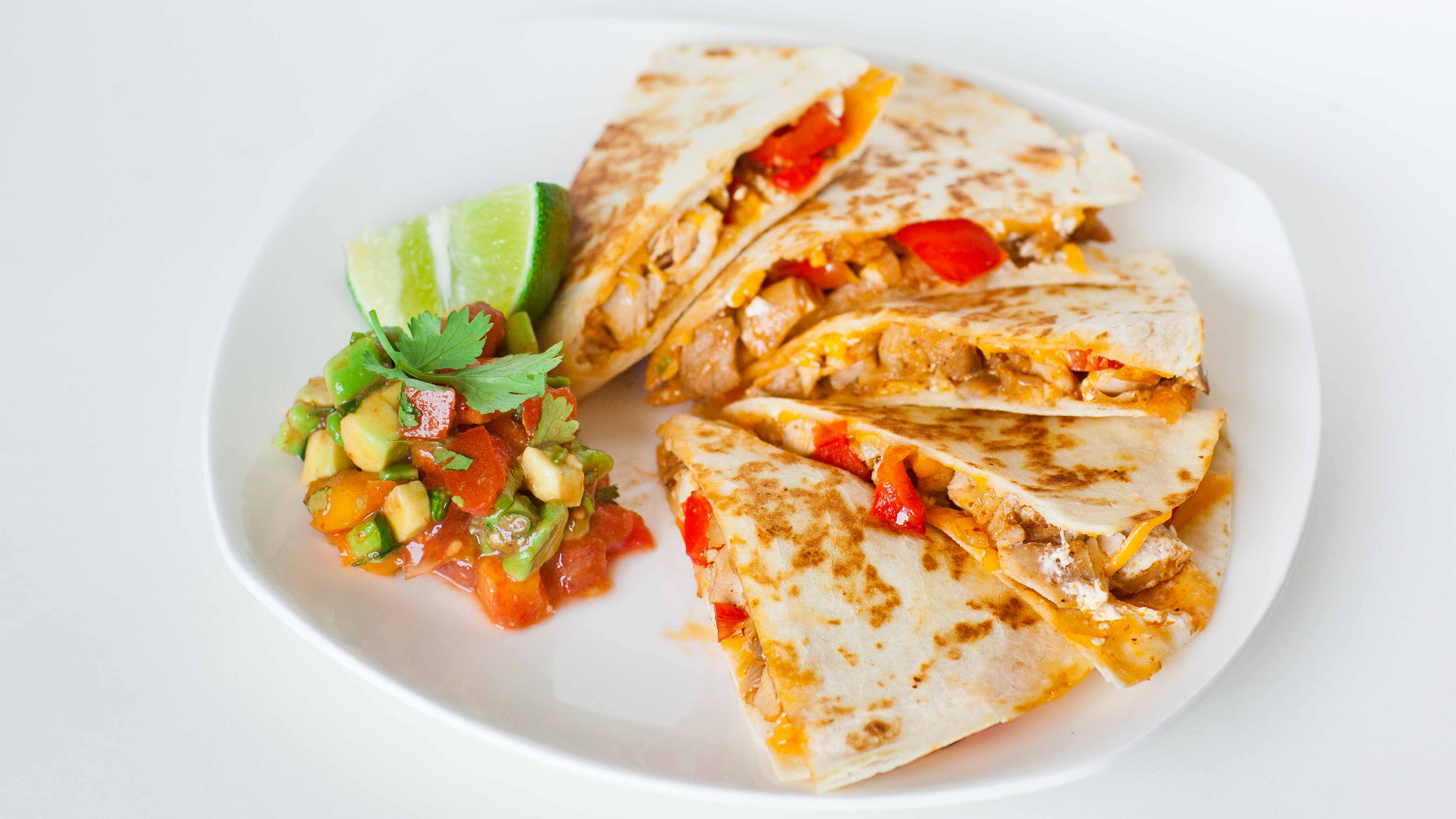 Chicken quesadilla recipe hispanic food network chicken quesadilla recipe forumfinder Gallery