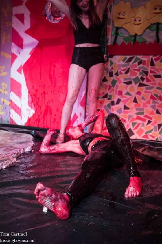 Blood wrestling-5