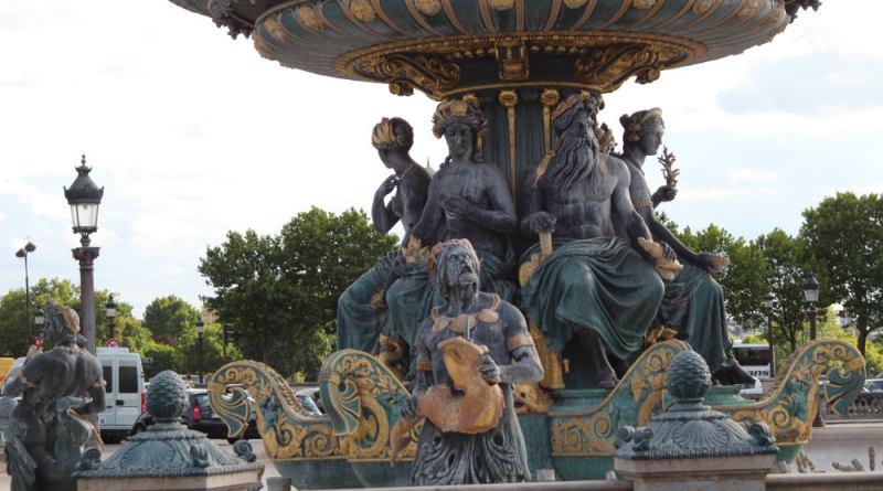 Fontaines de la Concorde - fontaine de la mer