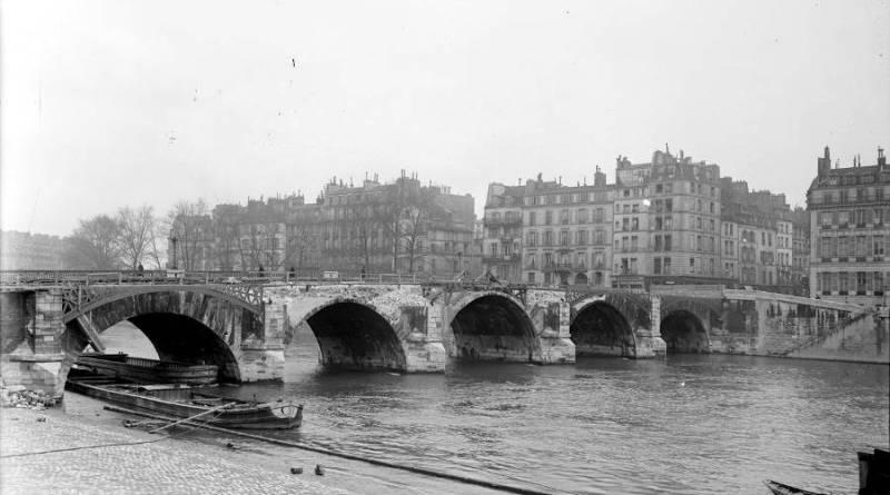 Destruction du pont de la tournelle en 1925 par l'Agence Rol