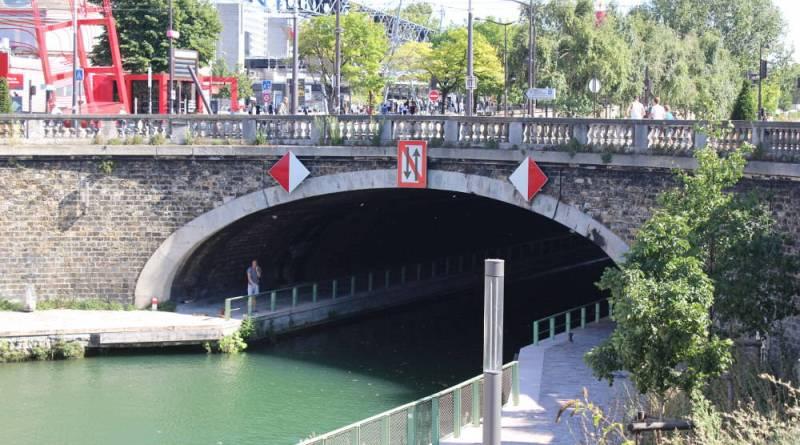 pont de la rue Corentin Cariou sur le canal Saint Denis