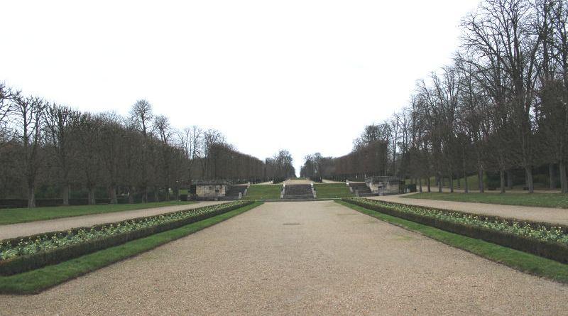 grande perspective du parc de Saint Cloud vu de la terrasse des orangers