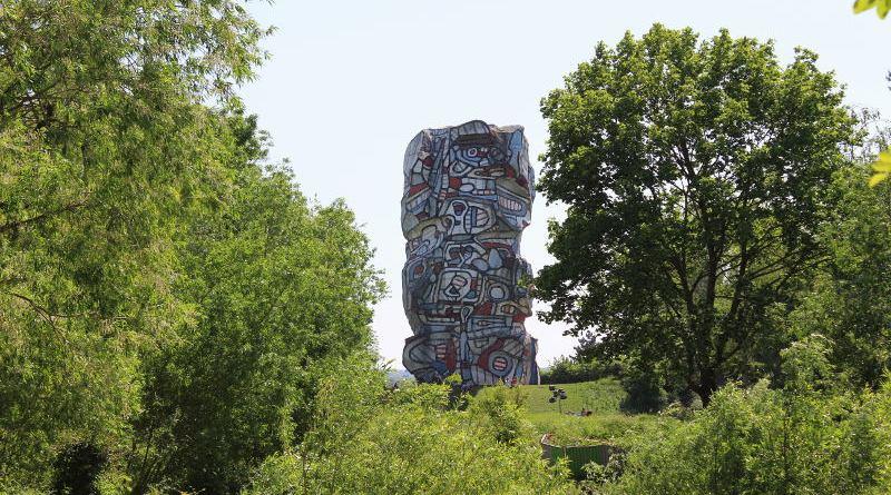 tour aux figures de Jean Dubuffet