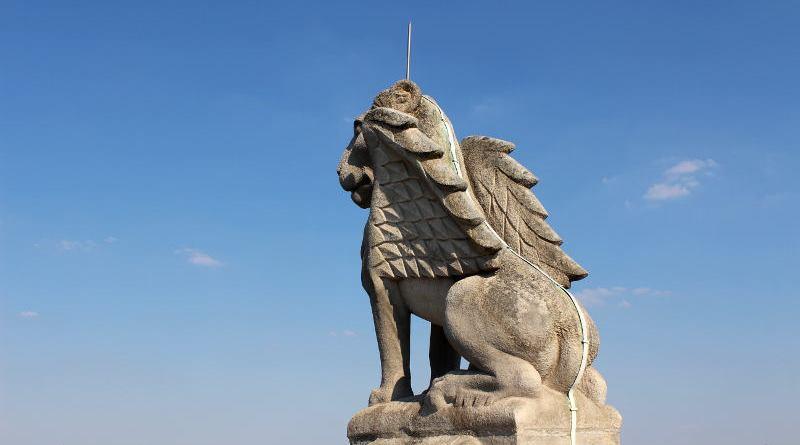 statue de la Tour Saint Jacques - le lion
