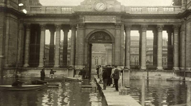 entrée du Palais Bourbon en janvier 1910