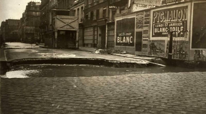 inondation à l'angle des rues Saint Honoré et Richepanse