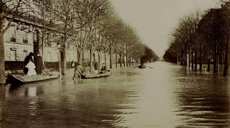 Avenue Montaigne par Harry C. Ellis - BHVP