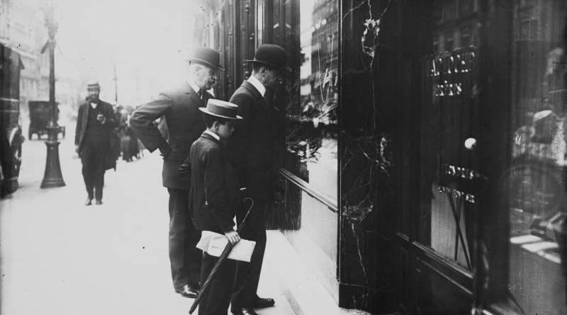 Georges 1er, roi de Grèce, rue de la Paix, 29 août 1908 Agence Rol