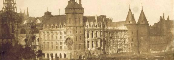 Vue de la Sainte Chapelle et de la Conciergerie par Gustave Le Gray en 1850-1852 - BNF