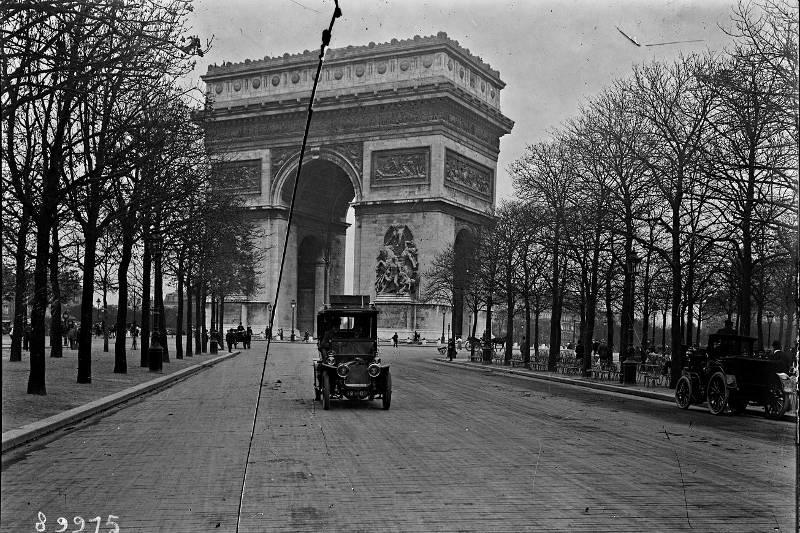 Arc de Triomphe par Agence Rol
