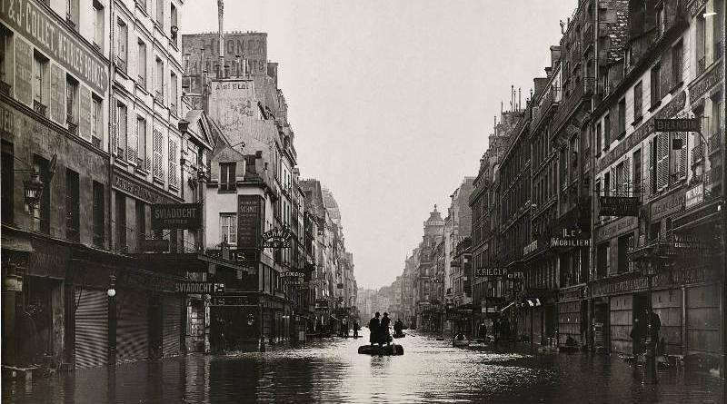 Rue du faubourg Saint-Antoine en janvier 1910 par Albert Chevoyon