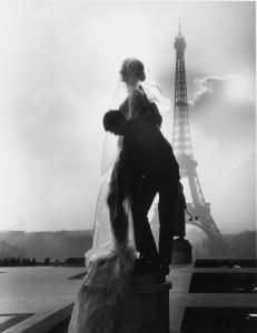 Empaquetage de la statueLe Printempsde Paul Niclausse, 14 février 1964