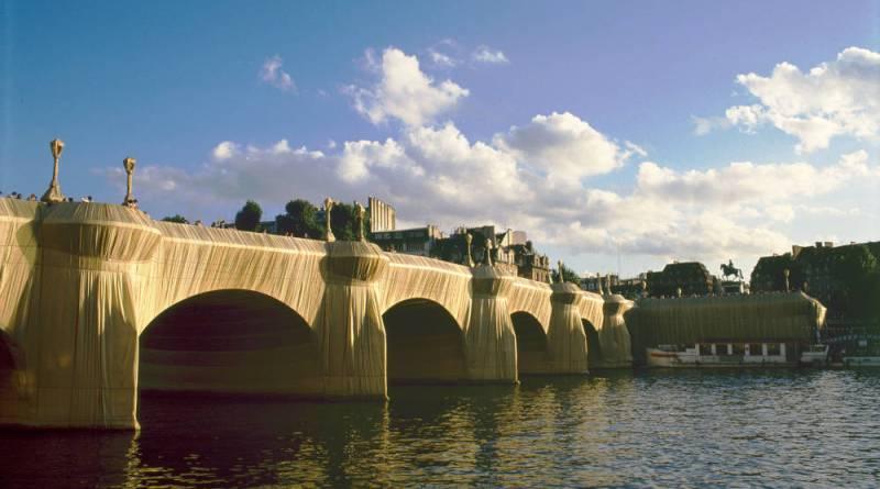 Le pont Neuf empaqueté par Christo et Jeanne Claude